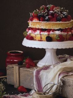 NAKED CAKE VERANIEGA DE FRUTOS ROJOS   Claudia&Julia
