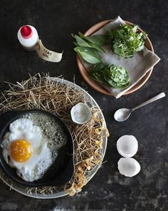 Noma's signature dish The Hen and the Egg - Noma in Copenhagen : wsj - June 23 2011 Food Design, Chefs, Food Porn, World's Best Food, Danish Food, Think Food, Restaurant Recipes, Noma Restaurant, Food Trends