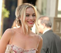 Margot Elise Robbie was born in Dalby, Queensland, Australia on July 1990 to Scottish parents. Her mother is Sarie Kessler, and her father is Doug Robbie. She comes from a family of four children, two boys and two girls.