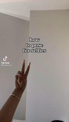 Cute Instagram Pictures, Ideas For Instagram Photos, Cute Poses For Pictures, Instagram Pose, Fashion Photography Poses, Fashion Poses, Portrait Photography, Selfie Tips, Selfie Poses
