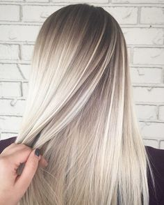 shadow root Icy white blonde hair balayage You are in the right place about violet ash blonde hair H Hair Color And Cut, Ombre Hair Color, White Blonde Hair, Ash Blonde, Light Blonde, Blonde Ombre, Blonde Balayage, Honey Balayage, Hair Highlights