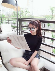 @CapriciousAmber At the weekend @SweetAndyLAtex did have some time to read the paper.