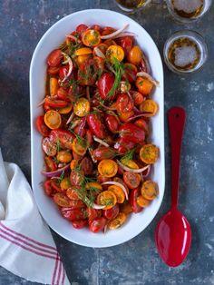 Sötsyrlig tomatsallad – perfekt tillbehör Salladsrecept 39140f6ace469