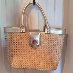Lilly Pulitzer straw tote Lilly Pulitzer straw tote. Barely used. Open to fair offers Lilly Pulitzer Bags Totes