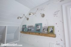 How to: Faux Brick Wall – Sawdust 2 Stitches Faux Beams, Faux Brick Walls, Diy Backsplash, Hanging Wall Decor, Creative Office Furniture, Brick Wall, Wall Paneling, Bedroom Layouts, Faux Walls