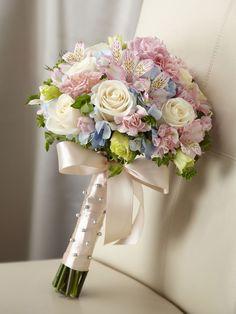 Sweet Innocence Bouquet - InterfloraSweet Innocence Bouquet - Interflora