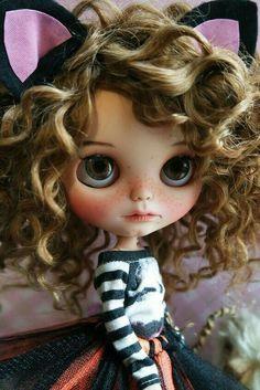 Кукла Блайз, Blythe Doll Одежда для кукол, Clothes for dolls #Блайз #КуклаБлайз #Blythe #BlytheDoll #ClothesForDolls #ОдеждаДляКукол Ooak Dolls, Blythe Dolls, Valley Of The Dolls, Cute Dolls, Pretty Dolls, Hello Dolly, Ball Jointed Dolls, Beautiful Dolls, Fashion Dolls