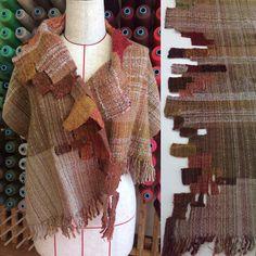 """139 Likes, 11 Comments - さをりの森東京 (@saorinomori_tokyo) on Instagram: """"衿の部分はデコボコになるように織ってます。Oさんの色の組み合わせかたもステキです。 #saoriweaving #weaving #saorinomori #Ikebukuro #さをり織り…"""""""