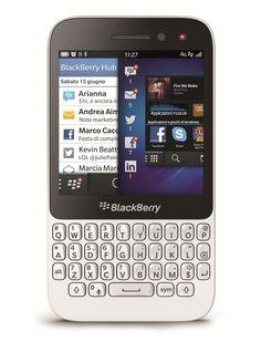 Arriva in Italia il nuovo smartphone BlackBerry Q5.