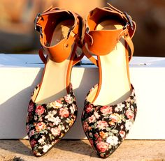 Buy Floral Pumps@INR 1476 www.prideswalk.com