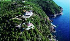 El Far Hotel Restaurant in Llafranc offers 4 star accommodation in one of the most exclusive regions of the Costa Brava. This boutique hotel has 9 guest rooms, 4 of which have a private terrace and sea views.