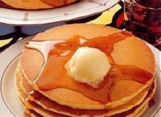 Coming up on Tuesday, Ihop is offering a free short stack of buttermilk pancakes- yum! Best Pancake Recipe, Whole Wheat Pancakes, Easy Eat, Buttermilk Pancakes, Nutritious Meals, Sweet Recipes, Yummy Recipes, Healthy Recipes, Morning Rain
