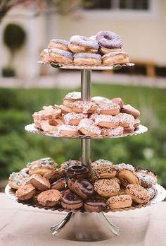 Voodoo Donuts, donut bar at a wedding, wedding desserts, houston planners