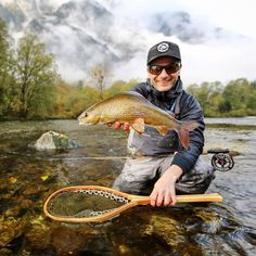 Autumn Love! #grayling #goiserertraun #aesche #temolo #fishingmakesyouhappy #autumn #fliegenfischen #catchandrelease #itonlycountsonthefly #flytying #aosfishing #fishing #fischen #flyfishing #fluefiske #fluefiskeri #perhokalastus #vliegvissen #tightlines #pescaconmosca #pechemouche #graz #austria #angeln #keepemwet #keepemwetfishing #keepfishwet #flyfishingaddict #seewhatsoutthere @orvisuk @aosfishing @orvisflyfishing @loop_tackle @simmsfishing @guidelineflyfish @rioproducts @skinnywaterculture  Graz Austria, Fly Tying, Fly Fishing, Falling In Love, Autumn, Instagram, Fishing, Fall Season, Fall