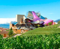 Hotel Marqués de Riscal in Spain, for those who like me adore great wines and contemporary architecture is a name that is a myth. The wine city hotel, restaurant and museum- designed by Frank Gehry next to their winery is one of the absolute masterpieces of the 20th century.