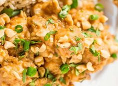 25 Crockpot Chicken Recipes for Easy, Delicious Meals or Snacks  When busy days call for easy meals, I love turning to the crockpot. While it's often used as a way to make healthy soups and stews, I love usin. Slow Cooker Recipes, Crockpot Recipes, Chicken Recipes, Pollo Thai, Thai Peanut Chicken, Indian Butter Chicken, Lemon Garlic Chicken, Slow Cooker Chicken, Easy Meals