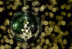 50 Great Free Pictures for Christmas Wallpaper, Background Images and Cards Free Christmas Wallpaper Backgrounds, Green Christmas, Christmas Bulbs, Christmas Pictures, Great Pictures, Tree Decorations, Background Images, Holiday Decor, Cards