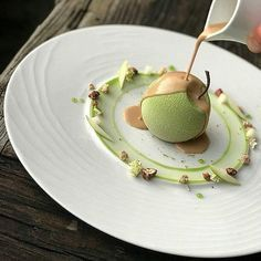 Pecan and Granny Smith dessert. Fancy Desserts, Gourmet Desserts, Plated Desserts, Delicious Desserts, Dessert Recipes, Healthy Desserts, Dessert Design, Food Design, Food Plating Techniques