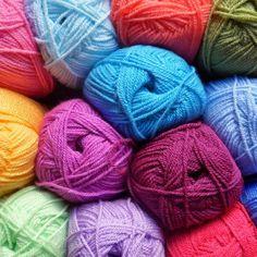 Bonjour a tous et bienvenue ! Ici vous trouverez beaucoup de tutoriel de points au tricot et au crochet et des tutoriels de modeles . Je vous invite a vous a...