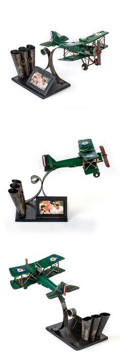 1404E-4466 фоторамка с подставкой для ручек Аэроплан зелёный  Формат фотографии 5x7 см. Размер 29x19x20 см. Материал  Металл Vehicles, Car, Vehicle, Tools