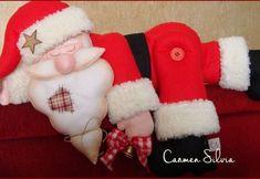Papá Noel dormilón en fieltro con patrón Kinds Of Salad, Some Recipe, Christmas Stockings, Christmas Diy, Rooster, Pure Products, Holiday Decor, Holiday Ideas, Home Decor