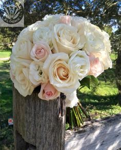 bouquet of ivory roses pink roses and white lissi