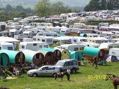 Appleby Horse Fair Gypsy Tradition Gypsy Trailer, Gypsy Caravan, Big Fat Gypsy Wedding, Gypsy Women, Gypsy Horse, Custom Trailers, Shepherds Hut, Gypsy Life, Cumbria