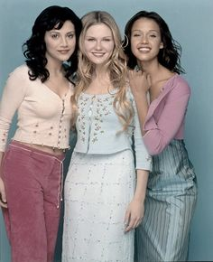 Actresses Brittany Murphy, Kirsten Dunst and Jessica Alba are photographed for Seventeen Magazine in 1999 in Los Angeles, California. Get premium, high resolution news photos at Getty Images Olivia De Havilland, Jessica Alba Pictures, Brittany Murphy, Gone Girl, Kirsten Dunst, 2000s Fashion, Celebs, Celebrities, Peplum Dress
