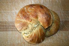 Inspiriert von Bäcker Süpkes nicht komplett verratenem Rezept für ein Wurzelbrot: Für den Vorteig:  30 g Weizenmehl 1050 23 g Wasser 0,3 g Frischhefe  Für den Hauptteig:  270 g Weizenmehl 1050 205 g Wasser 2,7 g Frischhefe 2 kräftige Prisen Salz 2 Prisen Roggenmalz  Für den Vorteig alle entsprechenden Zutaten gut verrühren und abgedeckt 2 Stunden zimmerwarm ruhen lassen. Anschließend für 12-24 Stunden in den Kühlschrank Weiterlesen...