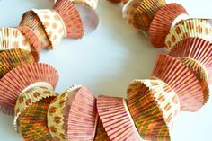 Easy fall and Thanksgiving Day themed cupcake liner garland from Spark & Chemistry Blog