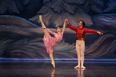 Moscow Ballet's Ekaterina Bortiakova and Akzhol Mussakhanov in stunning form. www.moscowballet.com