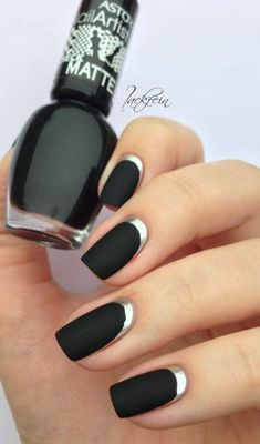 """If you're unfamiliar with nail trends and you hear the words """"coffin nails,"""" what comes to mind? It's not nails with coffins drawn on them. It's long nails with a square tip, and the look has. Metallic Nails, Matte Nails, Black Nails, Diy Nails, Matte Black, Black Silver, Silver Nail, Black Manicure, Acrylic Nails"""