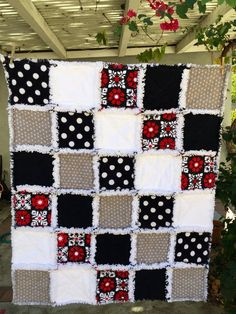 Best 12 Black White Gray Red Baby Rag Quilt with Hawaiian Print Lap Quilt Throw Flannel Rag Quilts, Baby Rag Quilts, Hand Quilting Patterns, Quilting Designs, Football Quilt, I Spy Quilt, Quilt Making, Sewing Crafts, Hawaiian Print