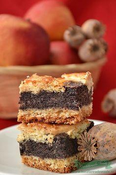 Linzer cu mac Romanian Desserts, Romanian Food, Romanian Recipes, Delicious Desserts, Dessert Recipes, Polish Recipes, Something Sweet, No Cook Meals, Cake Cookies