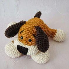 Handmade by Ülkü: Gratisanleitung Amigurumi Süßes Hündchen / Free Pa. Perrito amigurumi, patron gratis, está en alemán, pero las expertas en amigurumi creo que pueden deducir lo que dice. Crochet Patron, Knit Or Crochet, Cute Crochet, Crochet For Kids, Crochet Crafts, Crochet Dolls, Crochet Baby, Crochet Projects, Amigurumi Doll