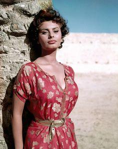 ❤️❥@p̶vѕв143❣❤️ #SophiaLoren The First Female President Of The Jury At The Cannes Film Festival In 1966