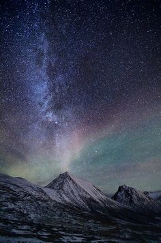 Stargazing at Sørtinden in Tromvik