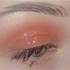 aesthetic, makeup, and peach image On paper, normal make-up must be oh-so easy - it Aesthetic Eyes, Peach Aesthetic, Aesthetic Makeup, Aesthetic Vintage, Aesthetic Photo, Aesthetic Girl, Aesthetic Pictures, Aesthetic Fashion, Eye Makeup