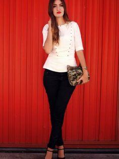 nightnonstop Outfit   Otoño 2012. Combinar Pantalones Negros Bershka, Camisa-Blusa Blanca H