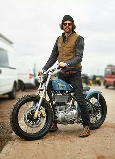 . Enfield Motorcycle, Bobber Motorcycle, Bobber Chopper, Motorcycle Style, Biker Style, Classic Motorcycle, Bobber Bikes, Cool Motorcycles, Vintage Motorcycles