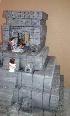Templo Prehispanico; Técnica papel maché con Poliuretano.