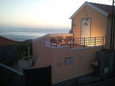 Ferienhaus+mit+einzigartigem+Blick+über+Berge+und+Meer,+großer+Garten+mit+Grill+++Ferienhaus in Calheta von @homeaway! #vacation #rental #travel #homeaway