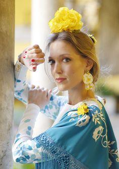 Traje de flamenca: Johanna Calderón.Complementos y flores: Blanco Azahar. Instagram, Fashion, Orange Blossom, Flamenco Dresses, White People, Flowers, Moda, Fashion Styles, Fashion Illustrations