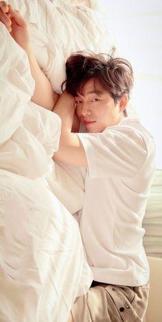 Korean Male Actors, Korean Celebrities, Asian Actors, Gong Yoo Smile, Yoo Gong, Goblin Korean Drama, Korean Drama Best, Hot Actors, Actors & Actresses