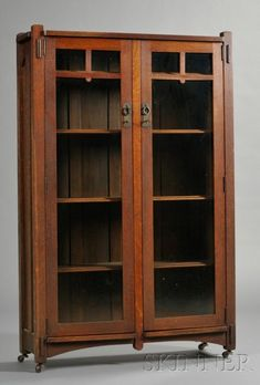 Arts & Crafts Bookcase | Sale Number 2531B, Lot Number 99 | Skinner Auctioneers
