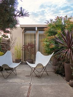 an eichler home patio, sfo