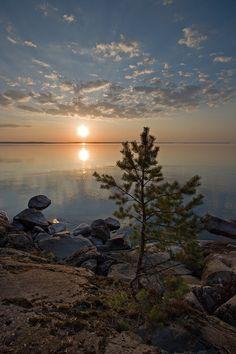 Lake sunset at Kauppi in Tampere Finland. Beautiful World, Beautiful Images, Landscape Photography, Nature Photography, Nature Pictures, Beautiful Landscapes, Scenery, Sunrises, Melancholy