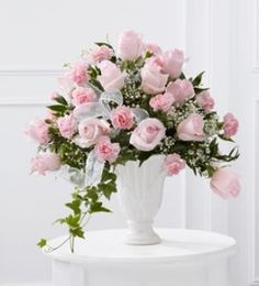 light pink roses  flowers  centerpiece