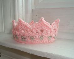 CROCHET PATTERN  - Digital Download Princess or Prince Crochet Crown  Newborn PATTERN 002  - Great Photography Prop pattern