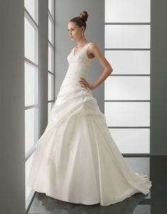 A-line v-neck chapel train charming organza with appliques wedding dress $450.57